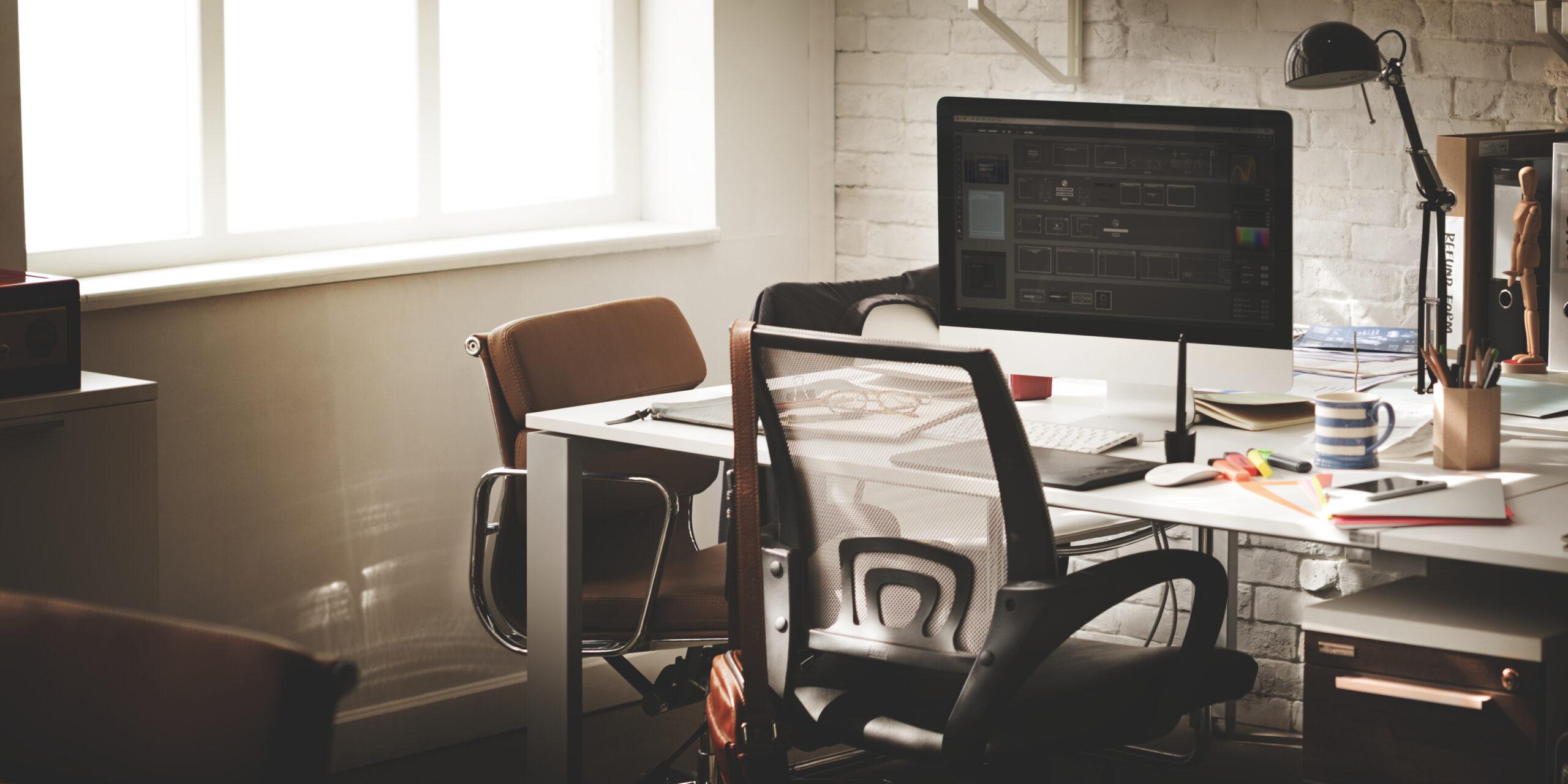 Webデザイン周辺機器|おすすめ昇降式デスク